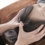頭皮マッサージの正しいやり方と4つの効果