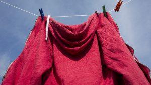 縮みを防ぐ洗濯の仕方と縮んだ服を元に戻す方法